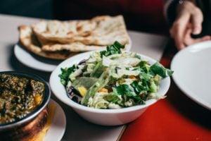 UDAR MÓZGU – profilaktyka i żywienie po przebytym udarze mózgu. Czym jest DYSFAGIA i jak ją leczyć dzięki diecie?